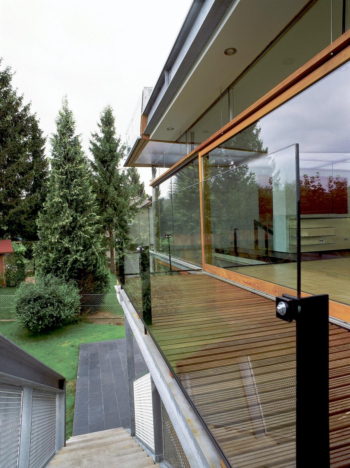 Solar Deck Lew Rodin 79020033
