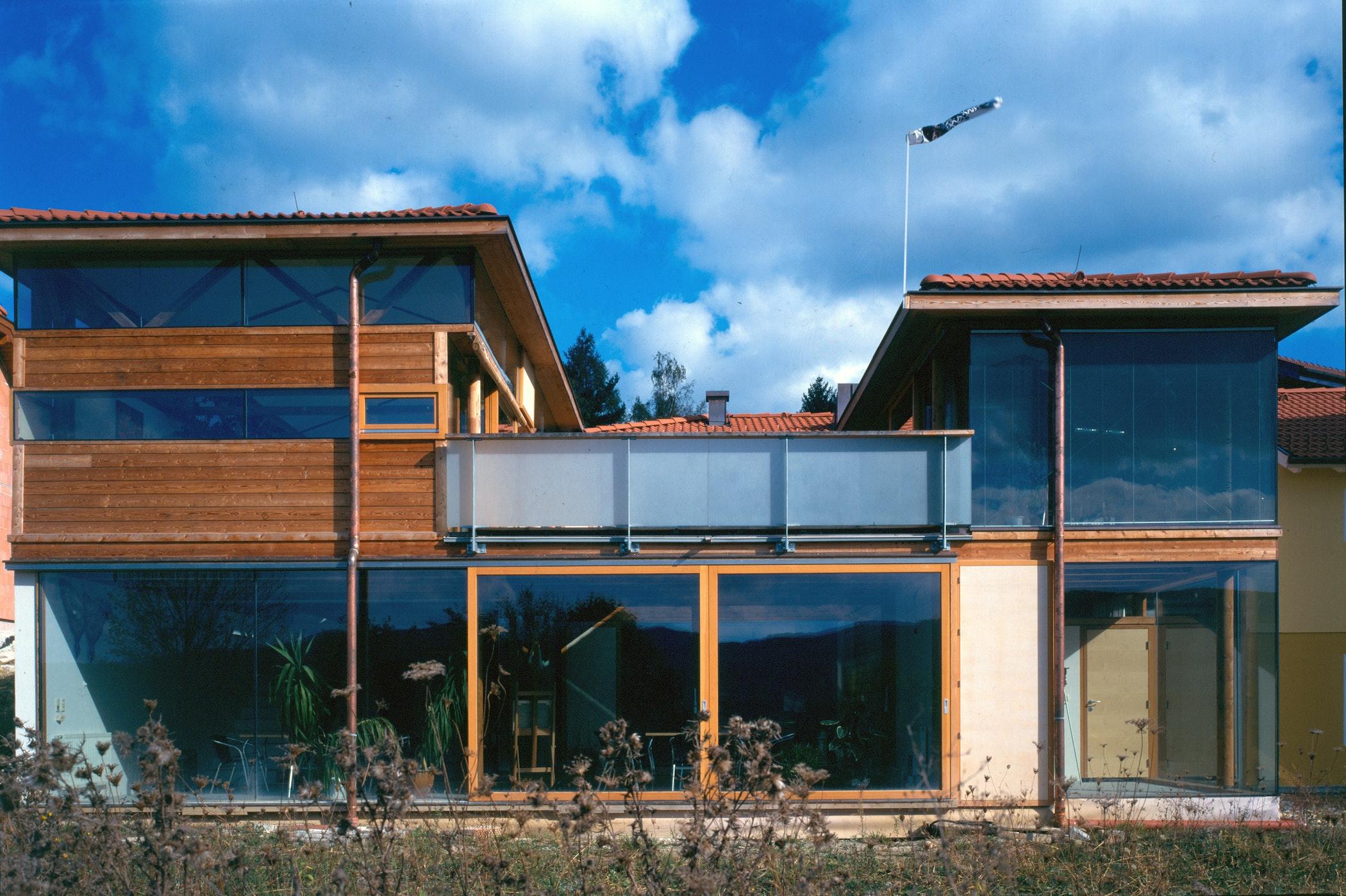 Jamesmorris Solaratrium Front