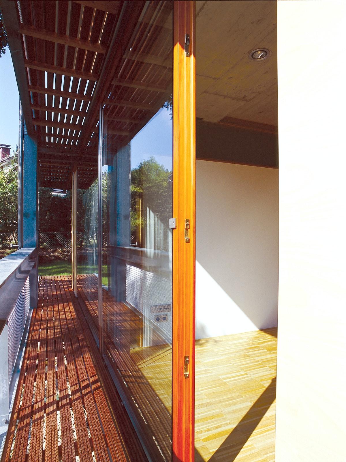 Solar Deck Lew Rodin 79020025